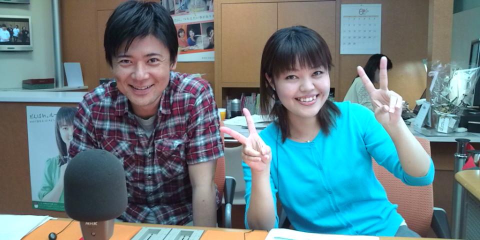 大野アナと、メインパーソナリティ3人娘の末っ子・安里愛美さん。なかなかの天然もの(笑)。